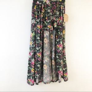 Love @ first sight floral shirt with a skirt over
